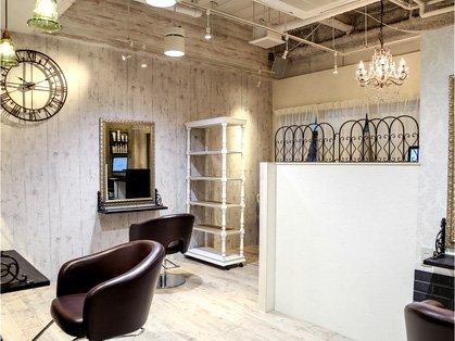 成人式当日の美容室の予約はいつまでにしたらいいの?